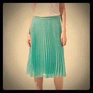 Zara pleated mint skirt 0 NWT